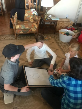 Kids playing Pictionary